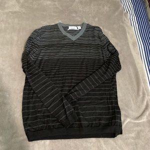 Calvin Klein v-neck long sleeve